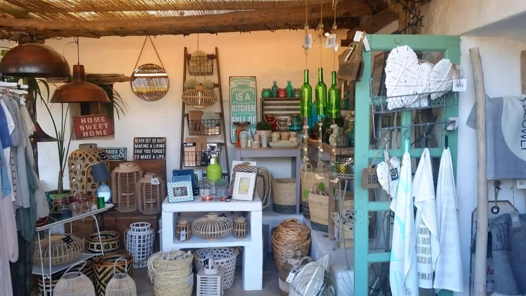 Shopping-Paradies Es Cucons auf Ibiza: Shop \'til you drop