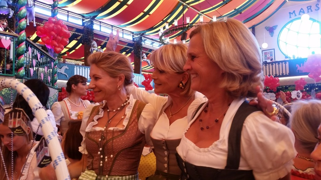 My_Stylery_Damenwiesn2015_Regine_Sixt_Oktoberfest2015 (12)