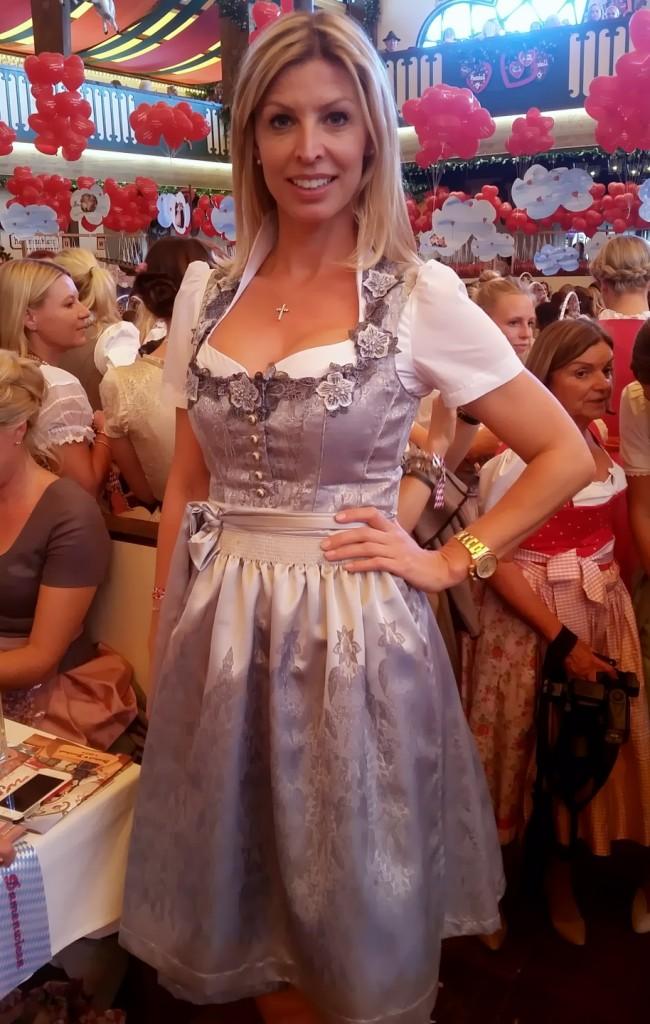 My_Stylery_Damenwiesn2015_Regine_Sixt_Oktoberfest2015 (18)