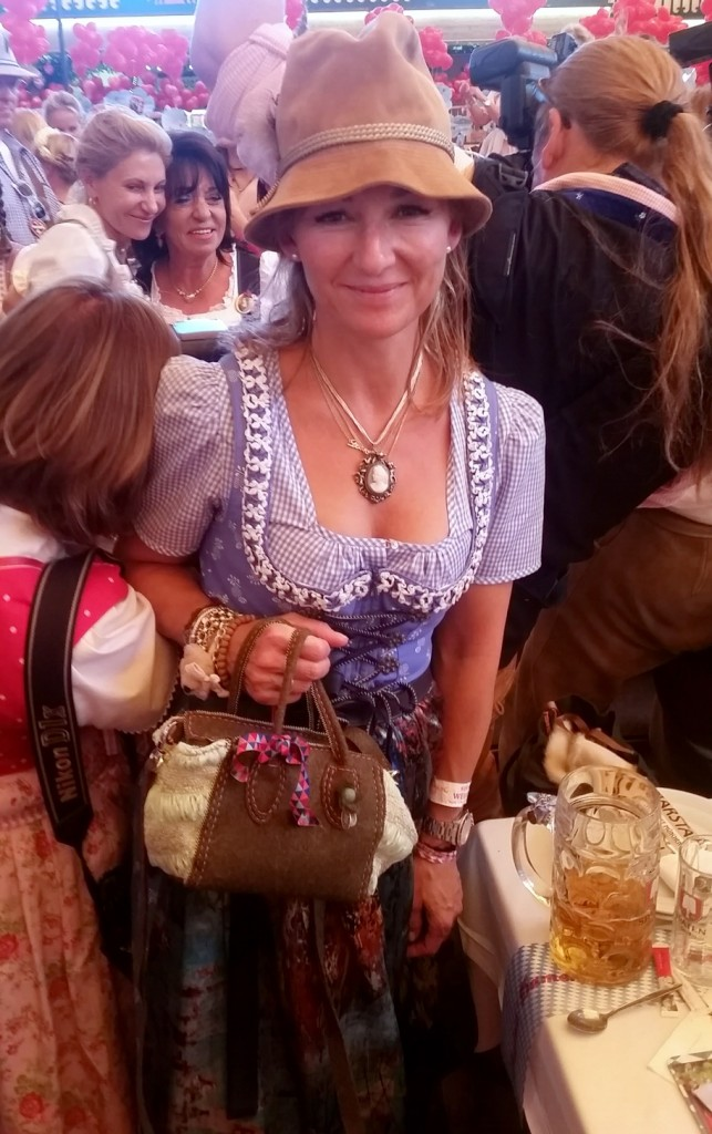 My_Stylery_Damenwiesn2015_Regine_Sixt_Oktoberfest2015 (20)