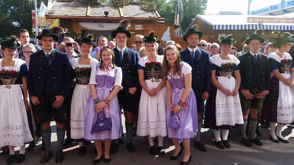 My_Stylery_Damenwiesn2015_Regine_Sixt_Oktoberfest2015 (4)