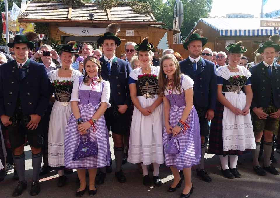 Regine Sixts' Ladies Wiesn: men you'll have to stay outside