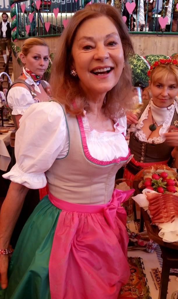 My_Stylery_Damenwiesn2015_Regine_Sixt_Oktoberfest2015 (5)
