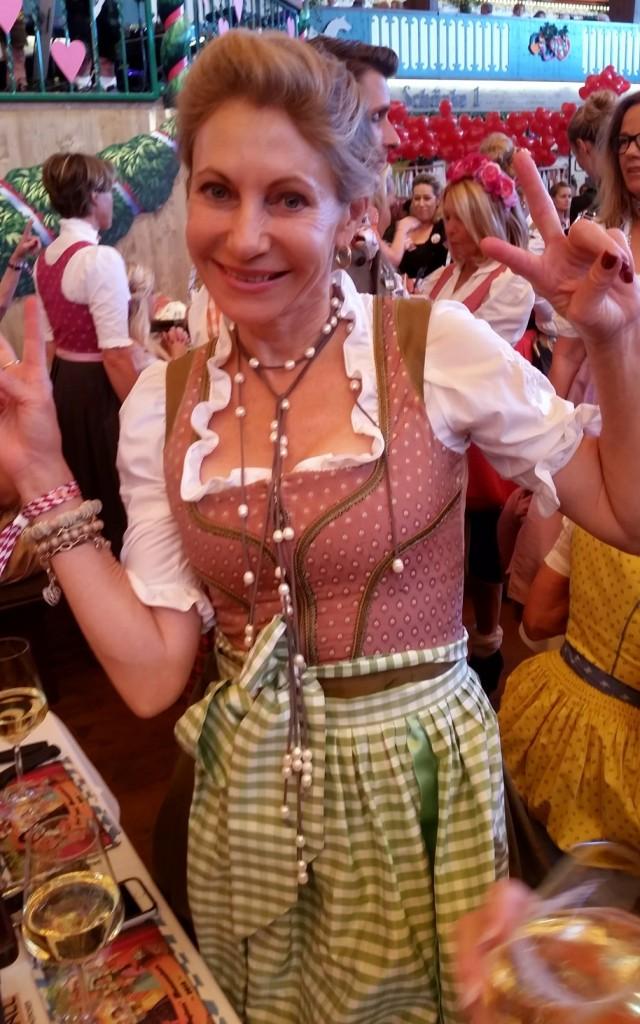 My_Stylery_Damenwiesn2015_Regine_Sixt_Oktoberfest2015 (6)