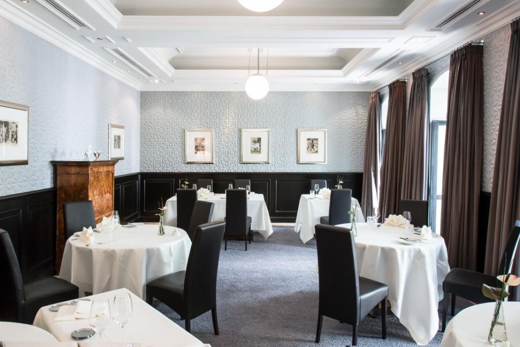 r004 Quadriga Restaurant_1