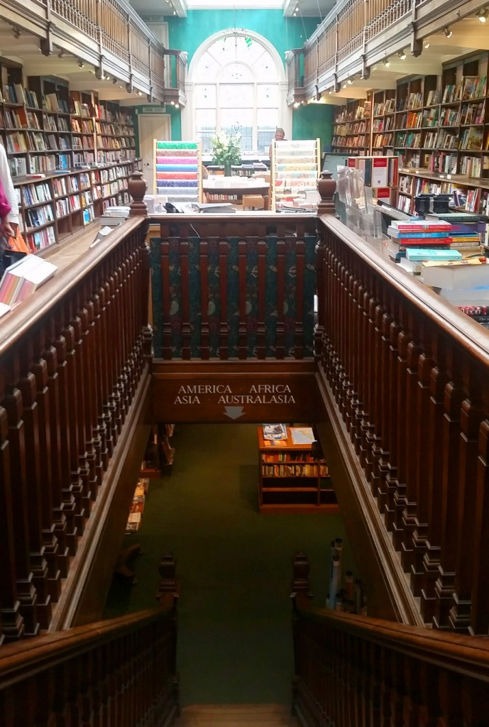 MyStylery_Daunt_Books_London_Trends_ (4)