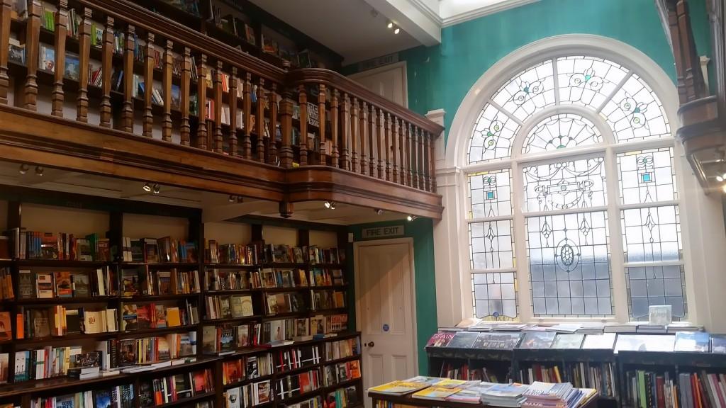 MyStylery_Daunt_Books_London_Trends_ (5)