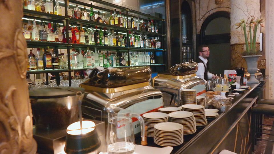 MyStylery_Meet_me_4_Tea_Grosz_Berlin_Vicky Leandros (11)
