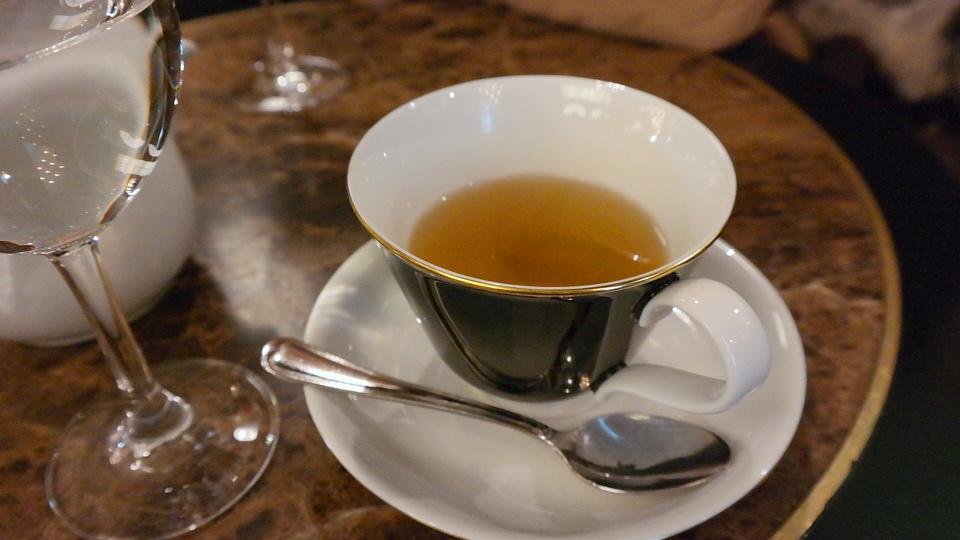 MyStylery_Meet_me_4_Tea_Grosz_Berlin_Vicky Leandros (14)