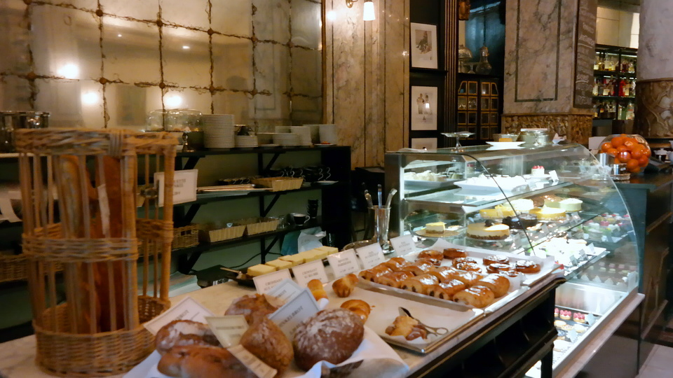 MyStylery_Meet_me_4_Tea_Grosz_Berlin_Vicky Leandros (8)