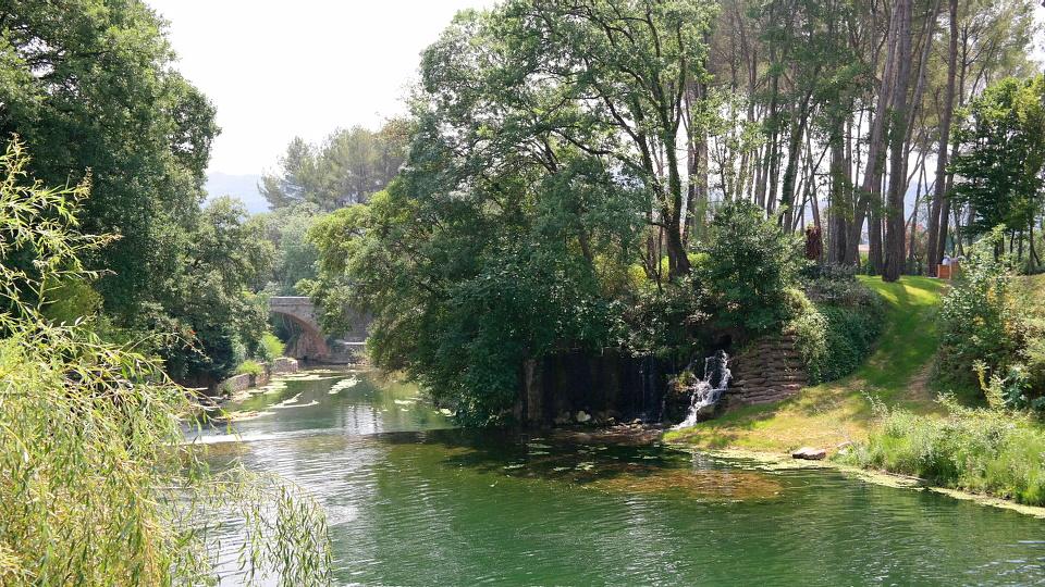 Mystylery_Bernar_Venet_Bildhauer_Südfrankreich_Le_Muy_Skulpturenpark_