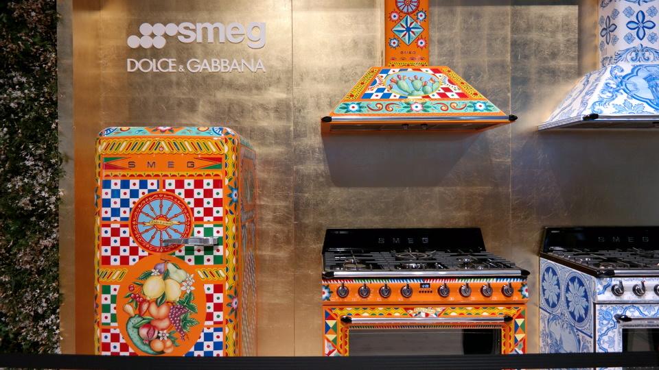Smeg Kühlschrank Dolce Gabbana : Mystylerys interior trend report vom salone del mobile in mailand