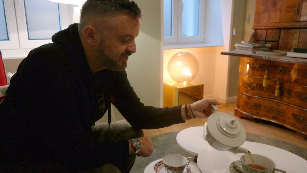 Mystylery_Meet_me_for_tea_Talbot_Runhof_Interview_7_