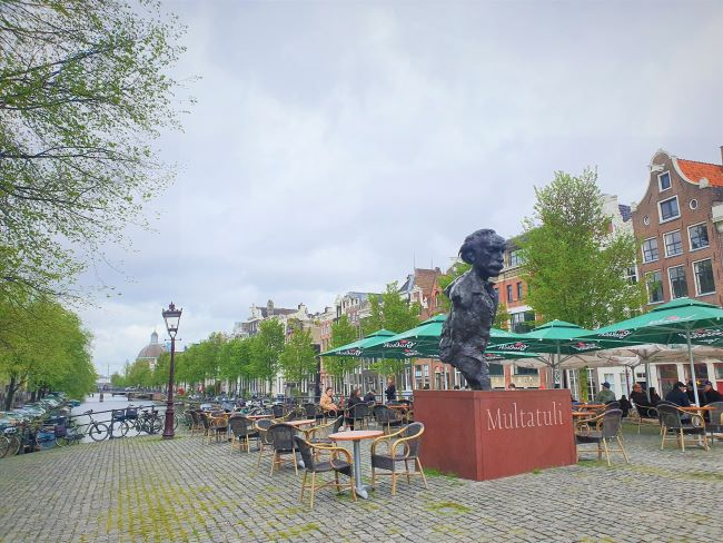 Bronzestatur in Amsterdam