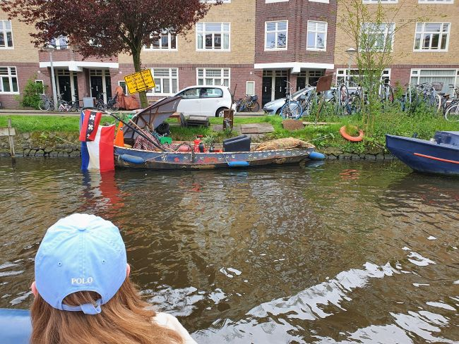Hippieboot in Amsterdam